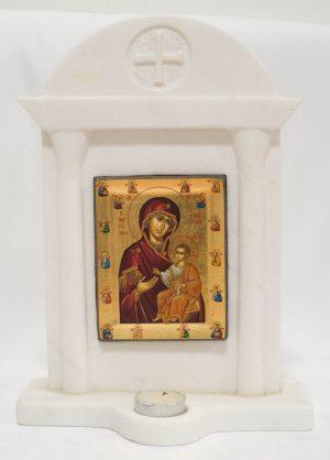 σκαλιστό μαρμάρινο προσκυνητάρι με εικόνα Παναγία Πορταΐτισσα